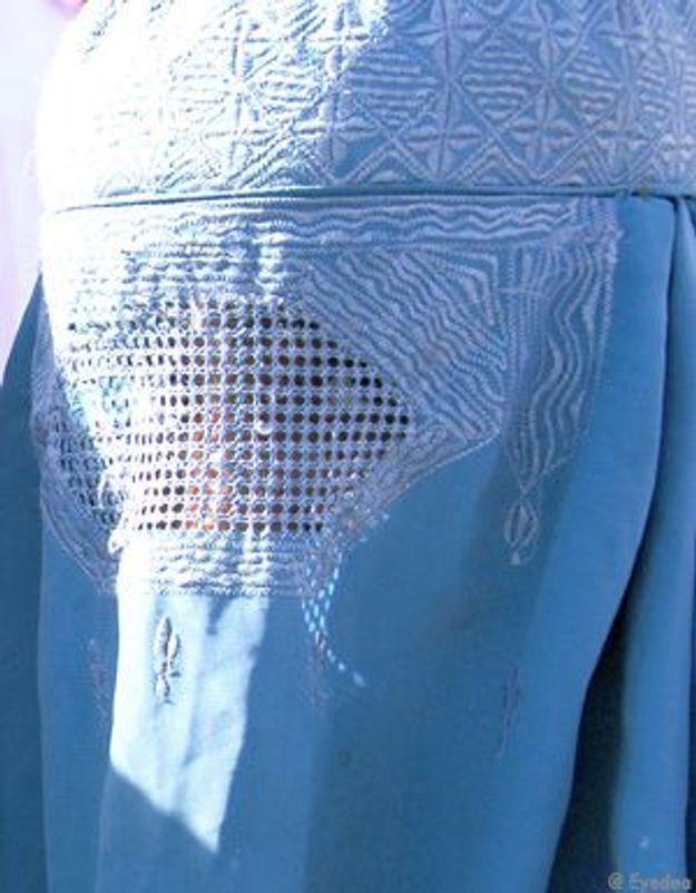Les femmes en burqa, un phénomène amplifié ?