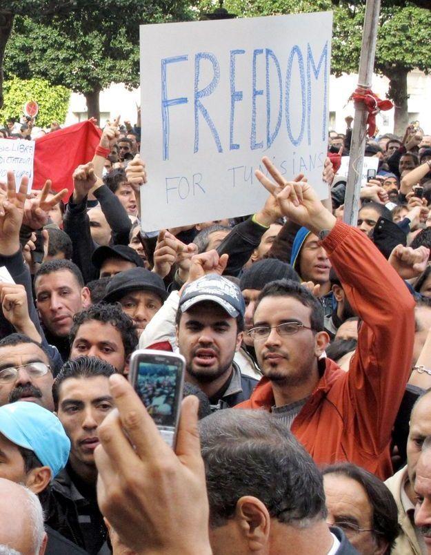 Les Tunisiens réclament la démission de Ben Ali