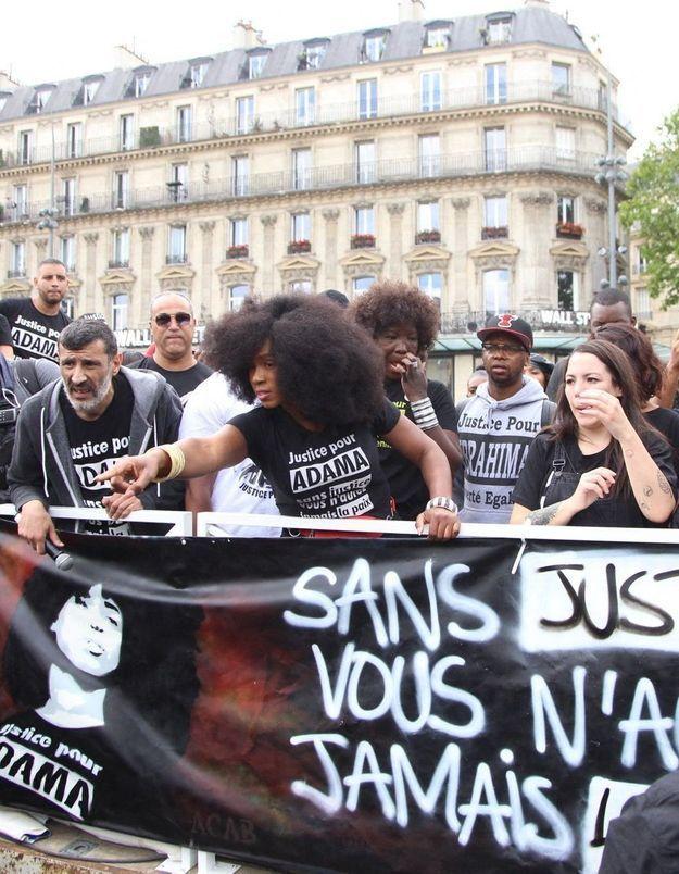 Manifestation contre les violences policières : « Je suis là pour dire que je suis choquée, que je suis solidaire »
