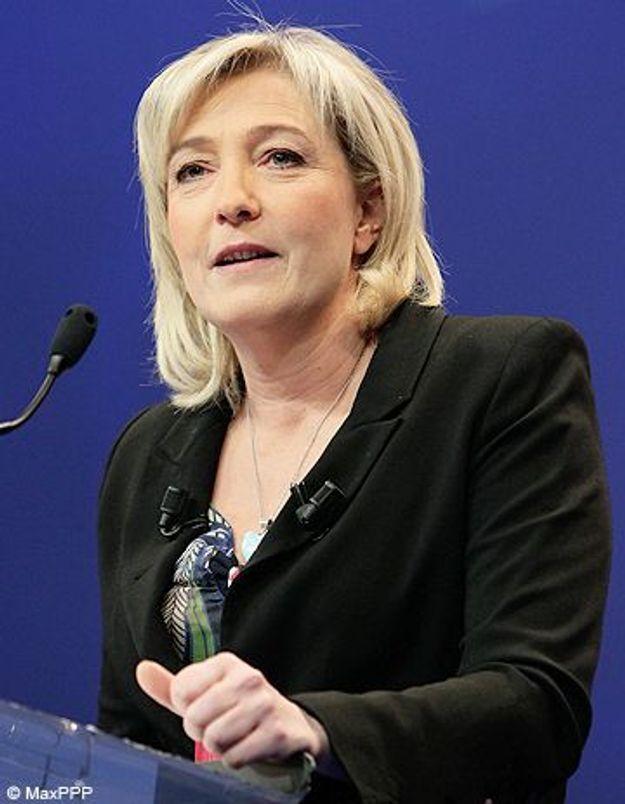 Marine Le Pen chante du Dalida pour critiquer Sarkozy