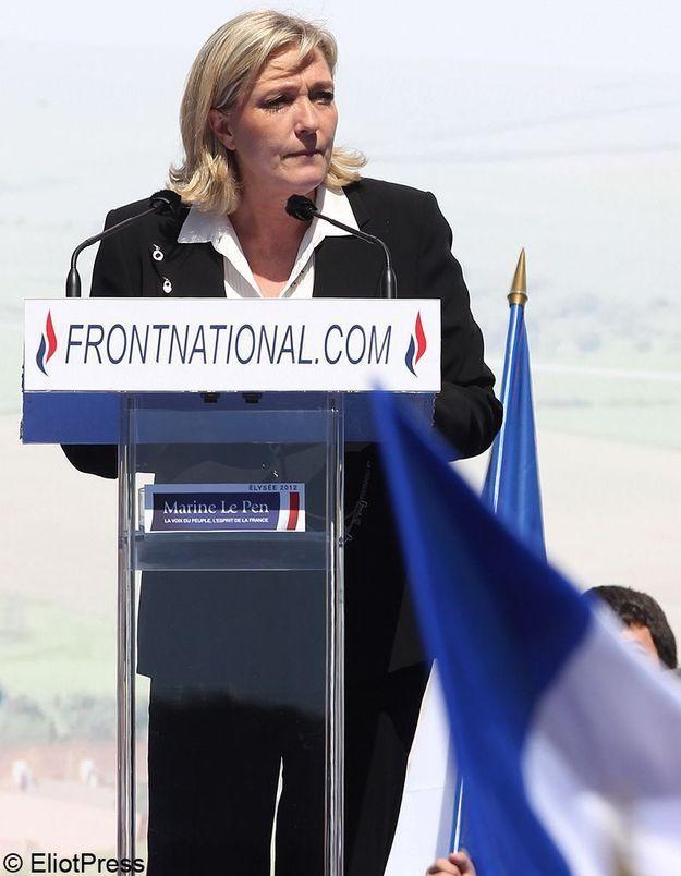 Marine Le Pen contre le port de la kippa et du voile dans la rue
