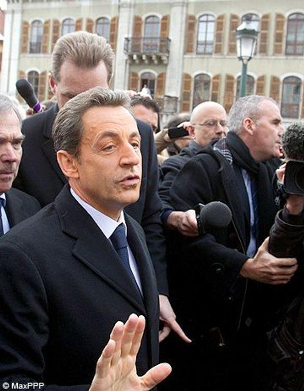 Nicolas Sarkozy occupe le terrain à Annecy