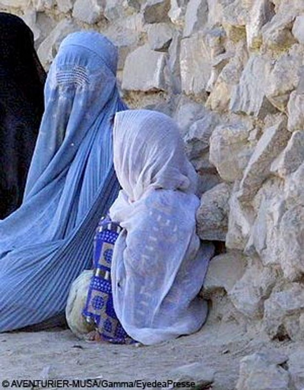 Pakistan : une adolescente battue par les Talibans