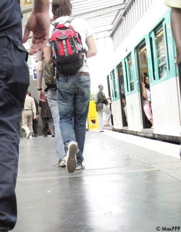 Paris : violemment bousculée, une femme meurt dans le métro