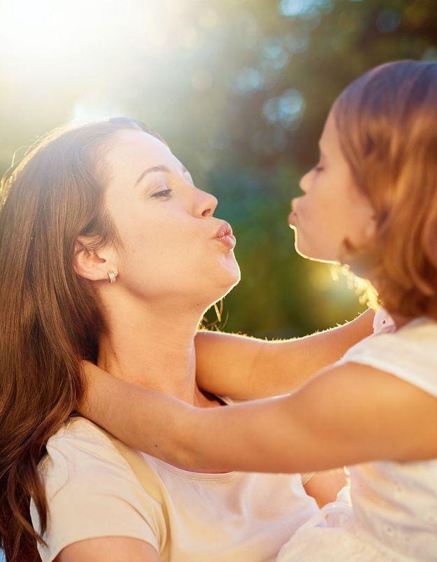 Peut-on embrasser son enfant sur la bouche ?