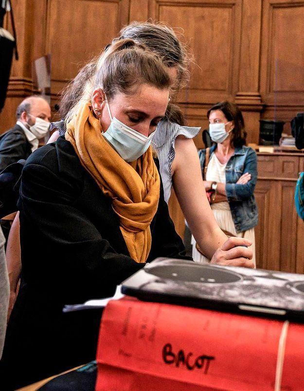 Procès Valérie Bacot, jour 1 : « Elle s'est sauvée la vie »