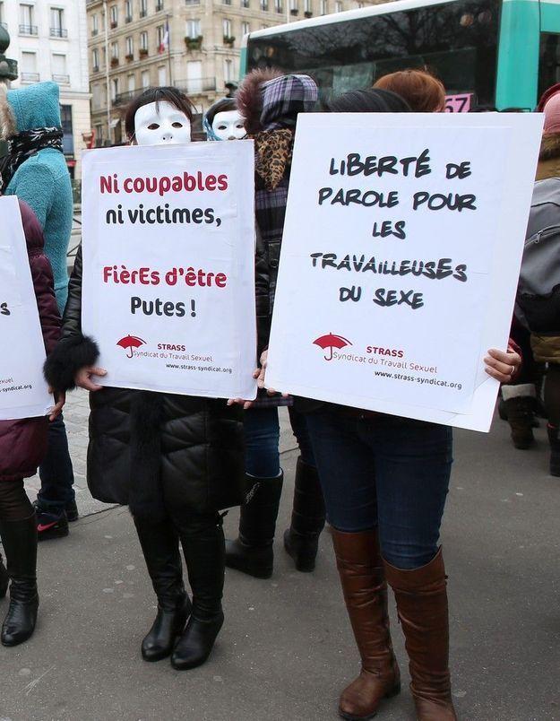Prostitution: 250 manifestants contre le délit de racolage