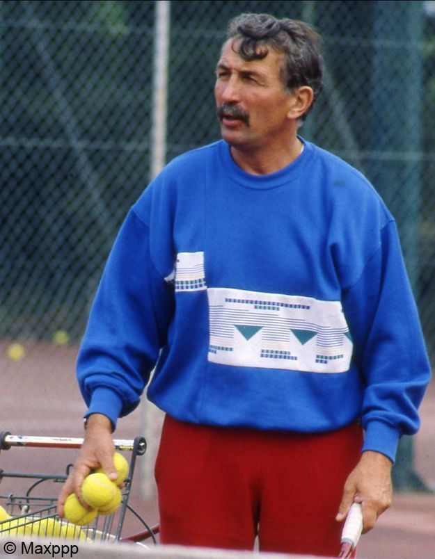 Régis de Camaret, ex-entraîneur de tennis, jugé pour viols