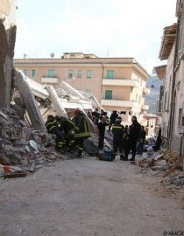 Séisme en Italie : deux femmes retrouvées vivantes sous les décombres
