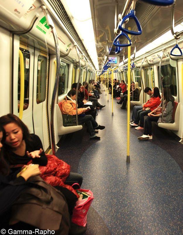 Shanghai : fini les tenues sexy dans le métro !