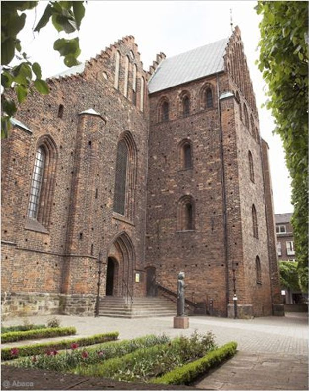 Suède : l'Eglise reconnaît le mariage homosexuel
