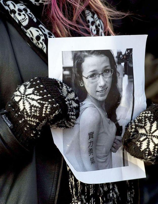 Suicide d'une ado : les Anonymous retrouvent ses violeurs