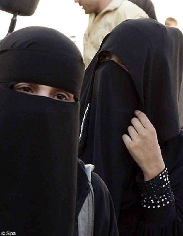 Syrie : les étudiantes en burqa interdites d'université