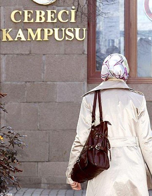 Turquie : les étudiantes voilées de retour à l'université