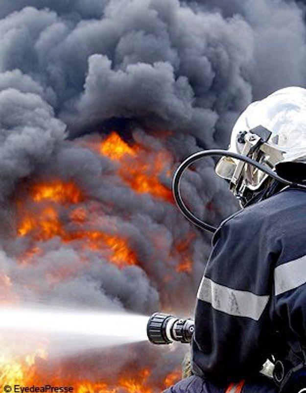 Un enfant sauve ses frères et sa sœur des flammes