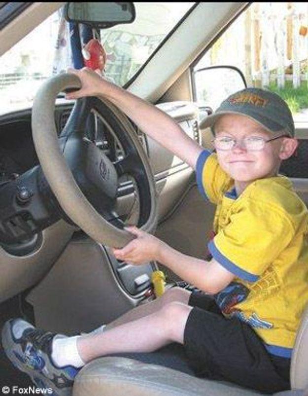 Un garçon de 6 ans s'improvise chauffeur et sauve son père !