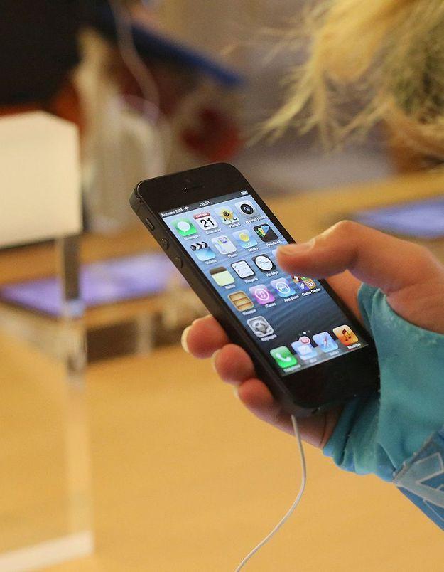 Une Chinoise de 23 ans électrocutée par son iPhone 5 ?