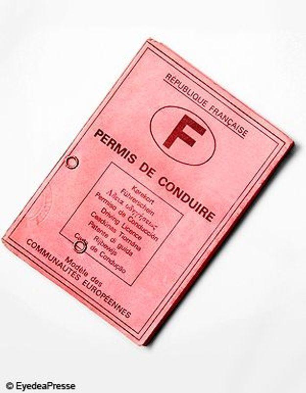 Une fonctionnaire vendait de faux-permis de conduire