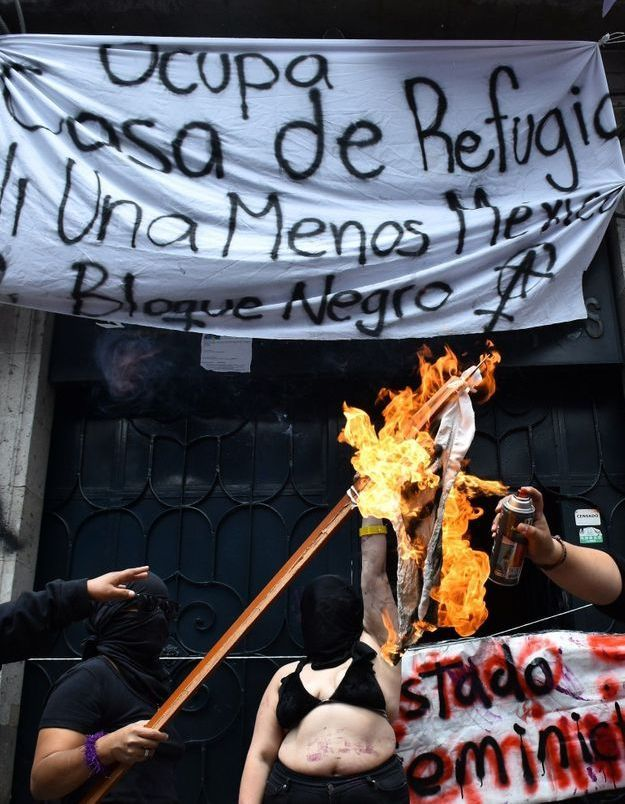 Violences faites aux femmes : pour faire entendre leur colère, les Mexicaines occupent un bâtiment gouvernemental
