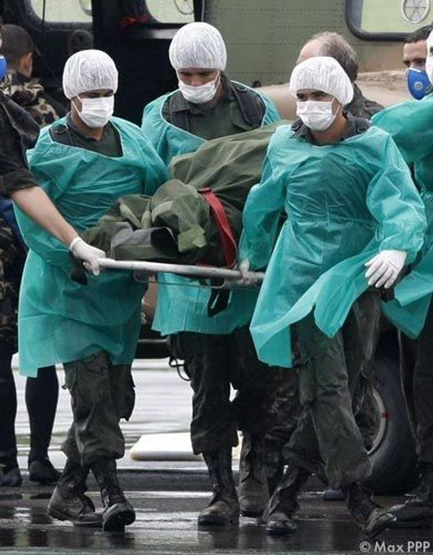Vol Rio-Paris: les corps des victimes sont arrivés en France
