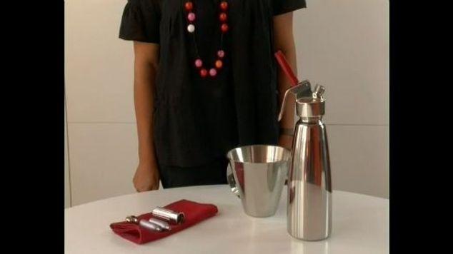 ustensile de cuisine que faire avec un siphon elle vid os. Black Bedroom Furniture Sets. Home Design Ideas