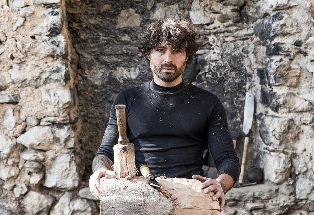 Christian Caulas, le sculpteur de bois brûlé
