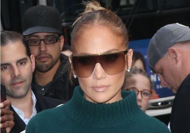 Jennifer Lopez coupe ses cheveux et adopte la coiffure qu'on verra partout cet hiver