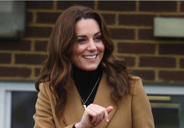 Kate Middleton change de coupe de cheveux et copie la coiffure de Meghan Markle