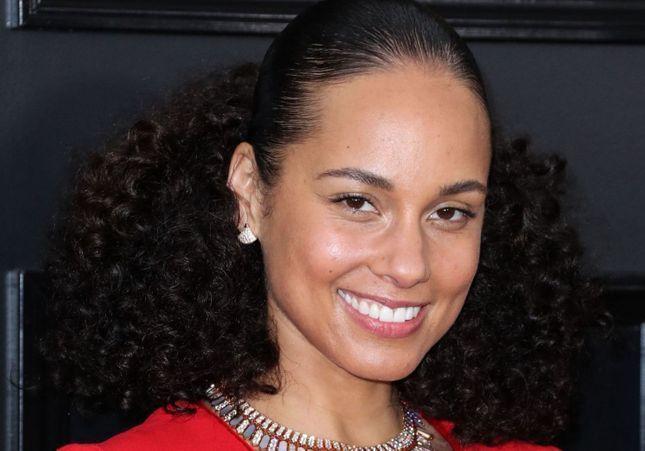 Alicia Keys sans maquillage : le prix de sa routine beauté dévoilé