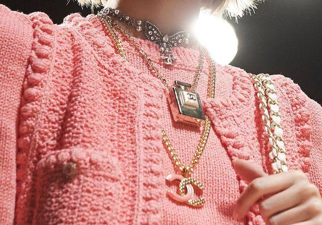 Beauté : cet accessoire Chanel à 32€ cartonne sur les réseaux