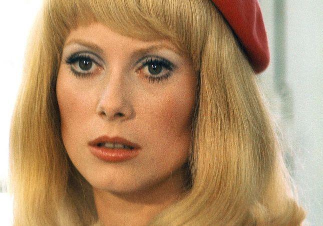Catherine Deneuve : reproduisez son look iconique dans « Les Demoiselles de Rochefort »