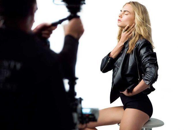 (Wo)manifestos : la campagne rafraichissante et engagée de Cara Delevingne pour Dior beauté