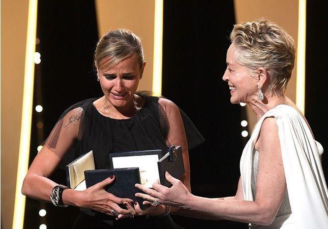 Cannes 2021 : sans surprise, Julia Ducournau remporte la Palme d'or pour Titane