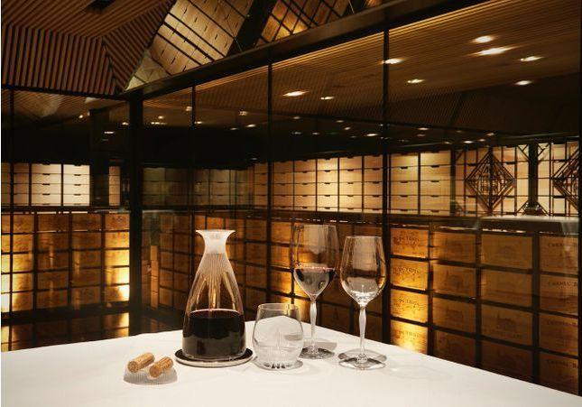 Comment choisir sa carafe à vin ? Le meilleur sommelier de France nous dit tout