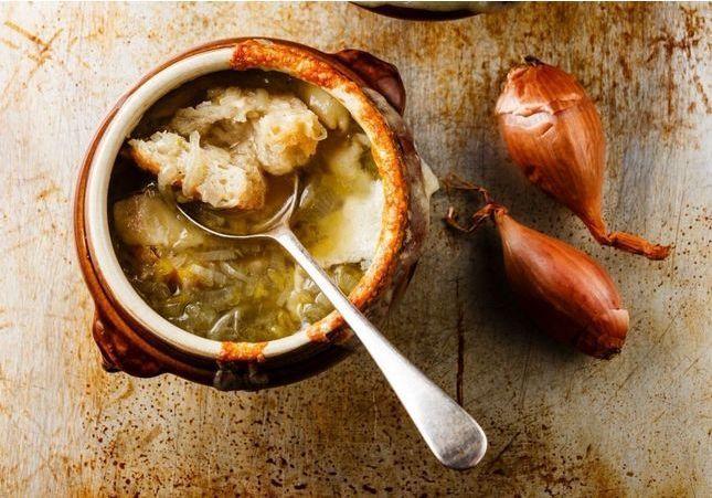 Qui veut une soupe à l'oignon maison pour se réchauffer ?
