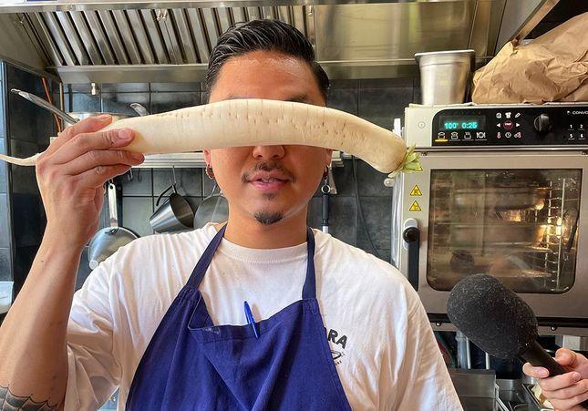 Sho Miyashita dévoile sa recette de shabu shabu dans le podcast « A Poêle »