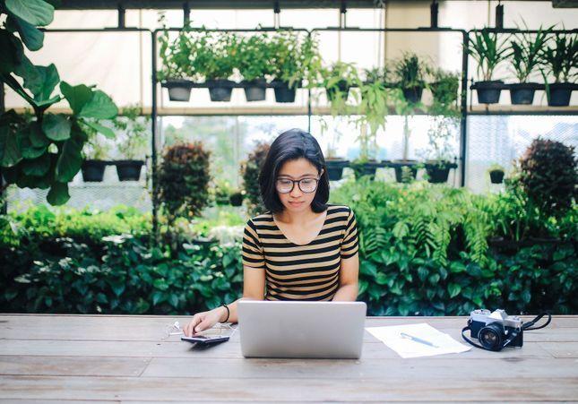 5 bonnes raisons d'adopter l'aquaponie au bureau