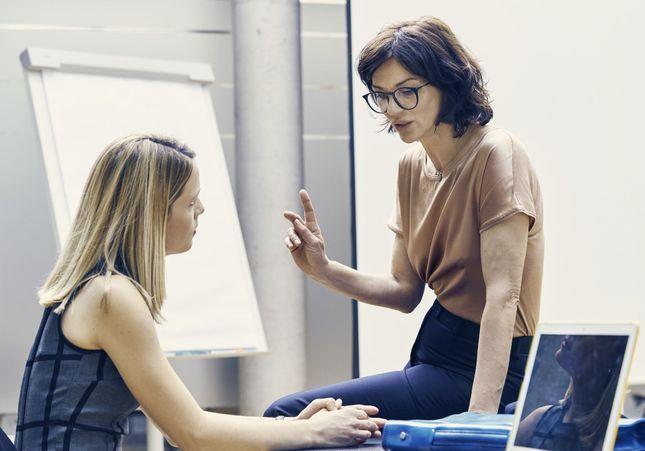 Au travail, 9 Françaises sur 10 osent contredire leur boss