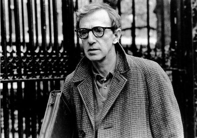 Polémique : faut-il lire l'autobiographie de Woody Allen ?