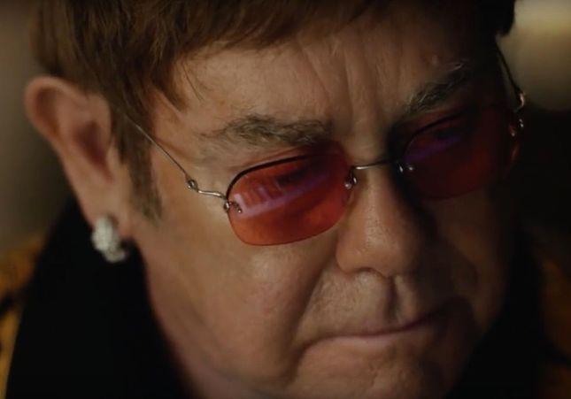 « The Boy and The Piano » : cette pub de Noël avec Elton John va vous émouvoir