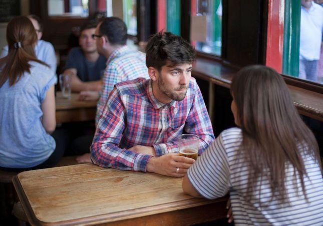 Doit-on succomber au binge-dating, nouvelle tendance pour guérir d'une rupture amoureuse ?