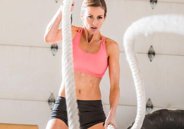 La corde ondulatoire, le nouvel accessoire branché qui va vous muscler