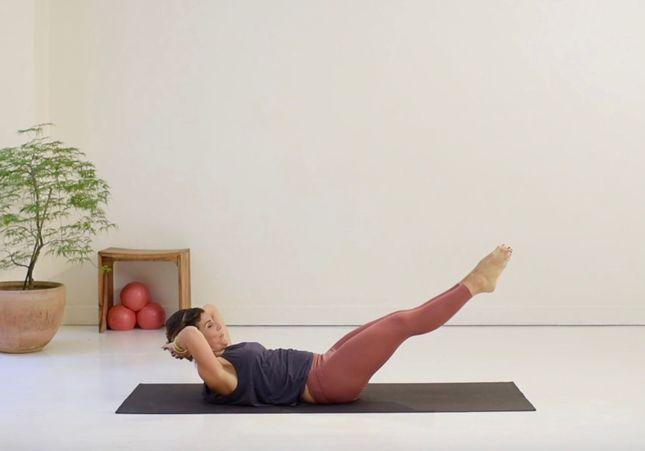 Cours de Pilates en vidéo : 20 minutes pour travailler ses obliques