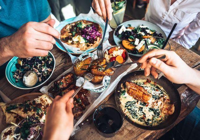 « Nutrition ne rime pas avec restrictions » : quand une médecin s'allie à un chef