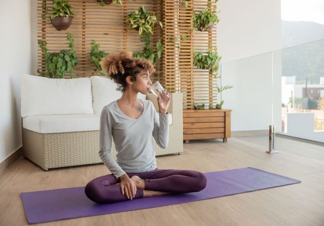 Les bases du yoga métabolique : un mois pour apprivoiser le jeûne