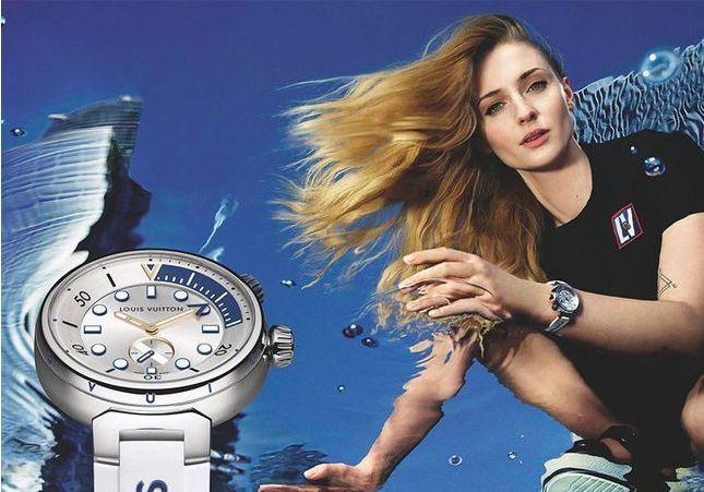 Sophie Turner et Tahar Rahim stars de la nouvelle campagne horlogerie Louis Vuitton