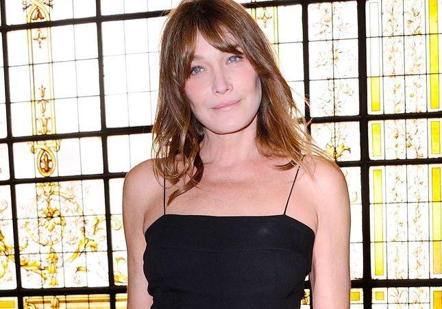 Carla Bruni, à l'aube de ses 50 ans, se confie sur son corps
