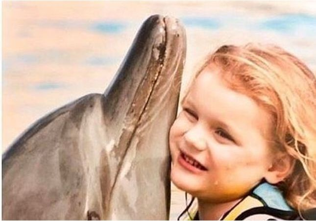 Charlène de Monaco à Dubaï : Jacques et Gabriella nagent avec les dauphins