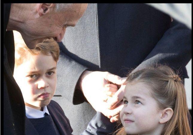 Kate Middleton partage une photo inédite de George et Charlotte sous un parapluie avec le prince William !
