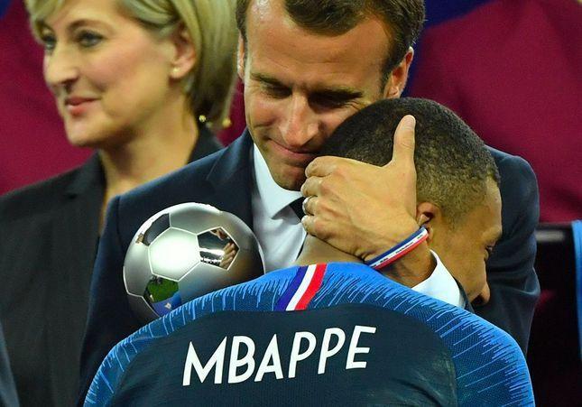 Macron : le président qui aimait câliner les joueurs